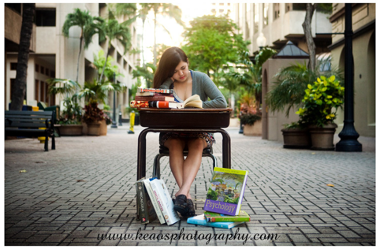 downtown honolulu senior portrait photo