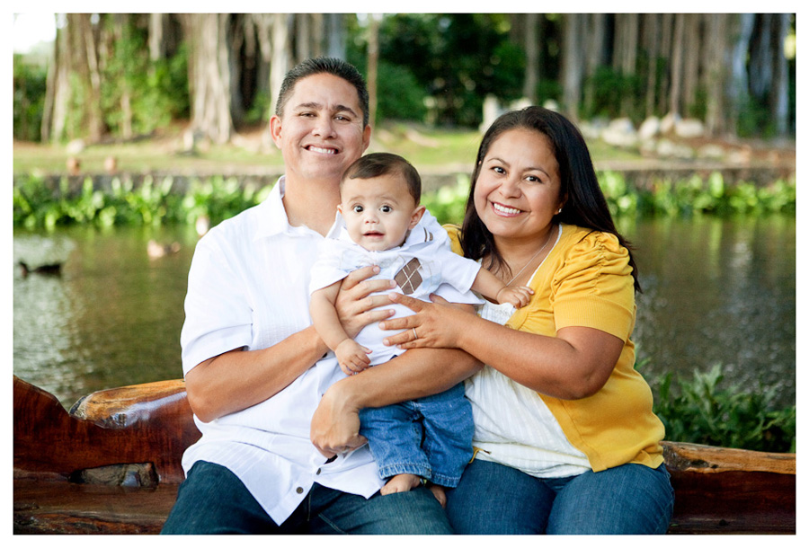 Moanalua Gardens family photographer on Oahu